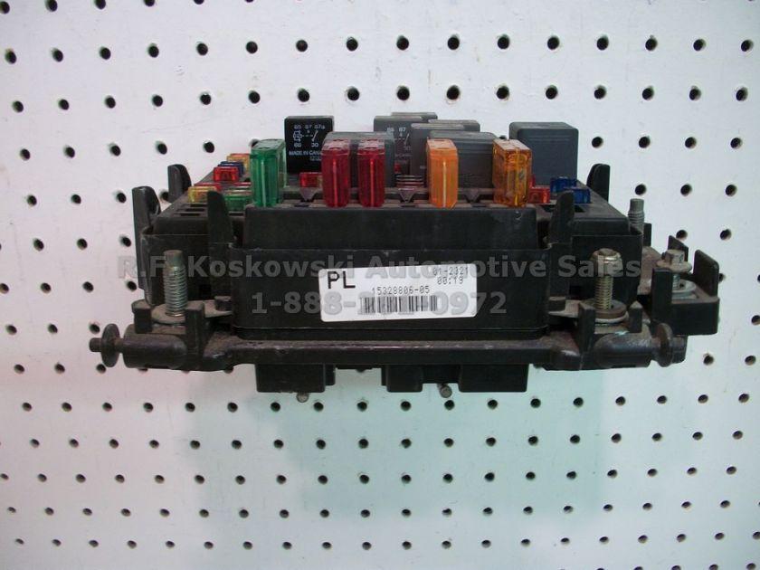 Chevy GMC Pickup Truck Under Hood Fuse Relay Panel Box 15328806 05